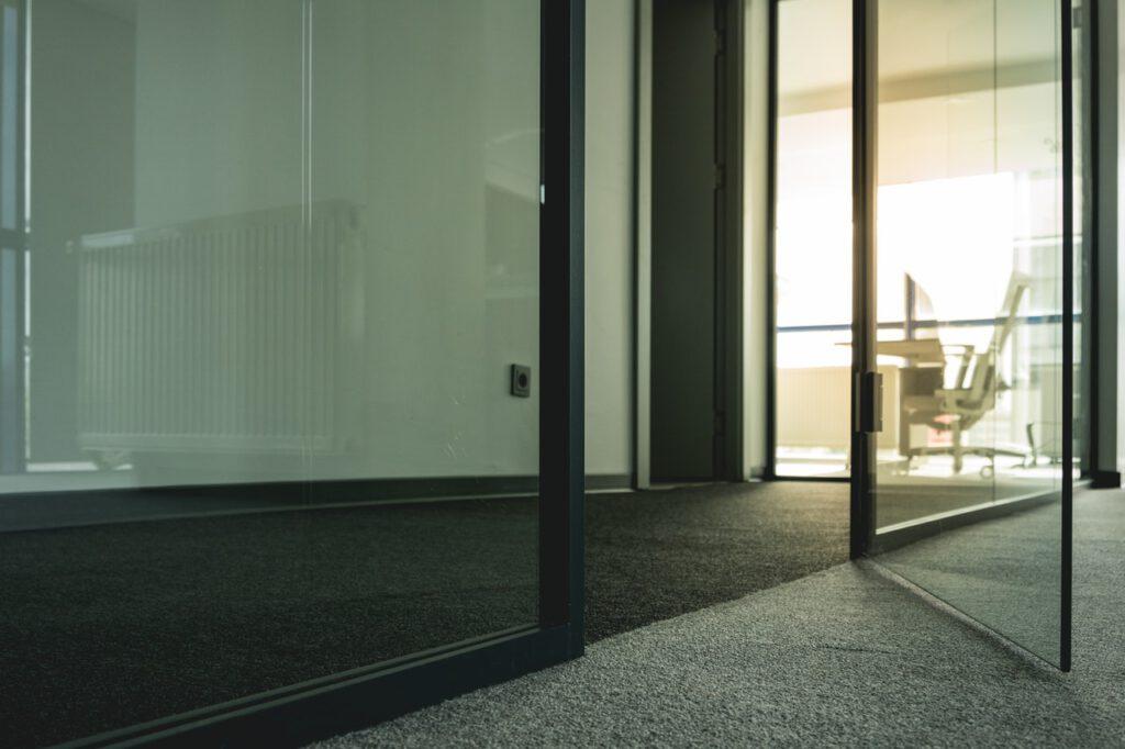 tapijttegel kantoor